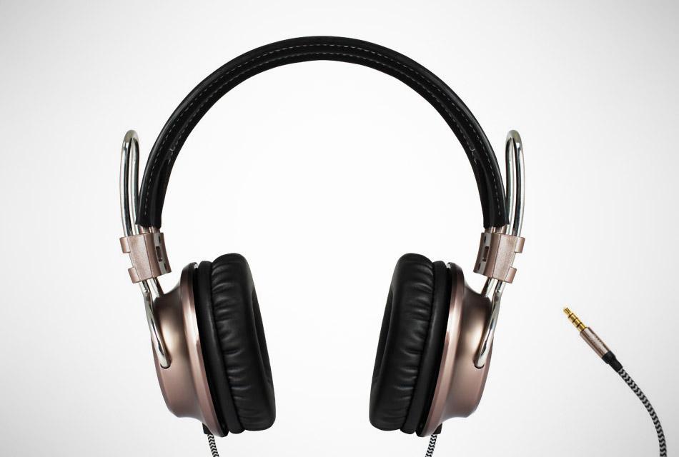 California Headphone Co. Laredo