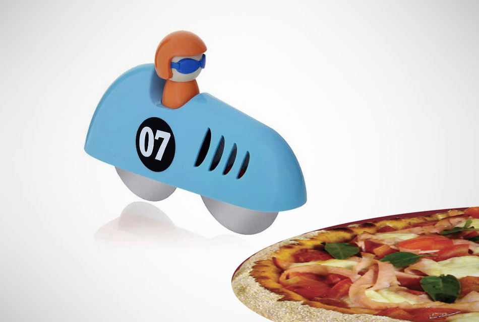 Pit-Stop Pizza Cutter