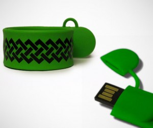 Snap Band With Hidden 8GB USB Flash Drive
